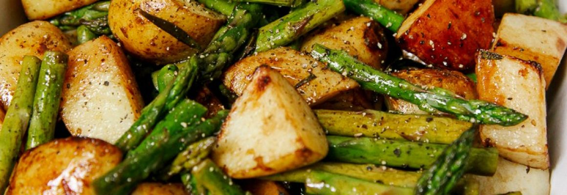 Balsamic-Roasted-New-Potatoes-and-Asparagus-3